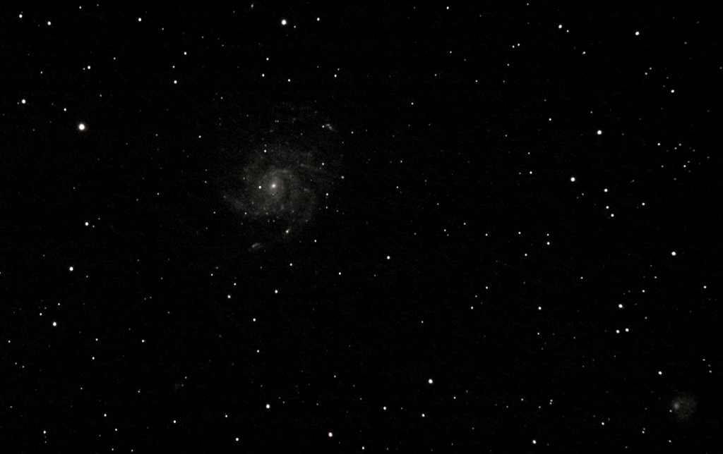 M101, the Pinwheel Galaxy in Ursa Major, taken with 29 x 60s frames. This is my 3rd or 4th shot at this target, and each time I have taken more frames, and wished I had stayed up later to grab some more. Maybe 60 next time?!
